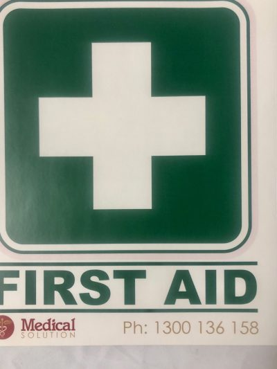FIRST AID STICKER LARGE 15X17.5CM 1